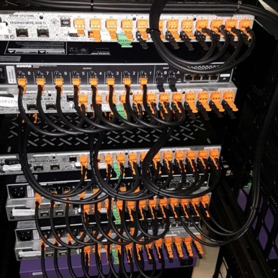 Cablaggio mixer digitali Biamp